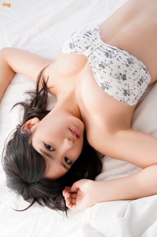 Aika Sawaguchithe new queen of gravure at 16 Im so excited053