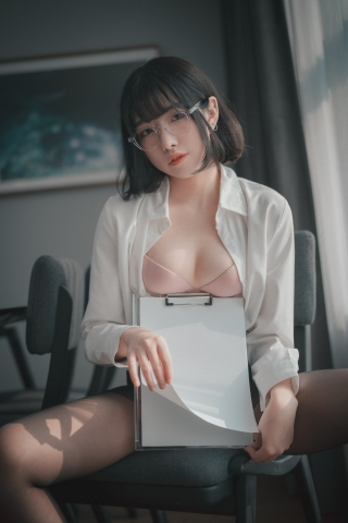 손손 (18)