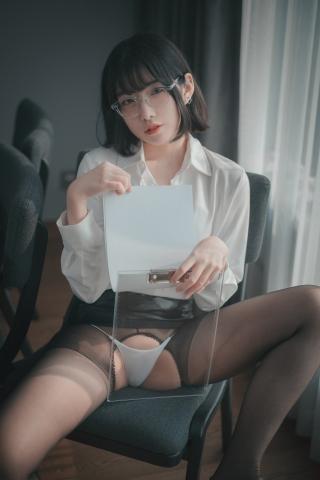 손손 (16)