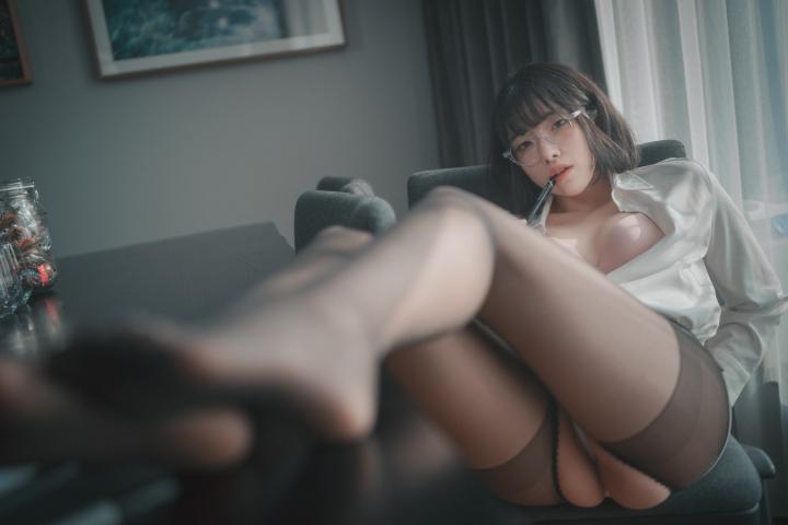 손손 (24)