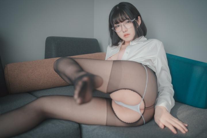 손손 (57)