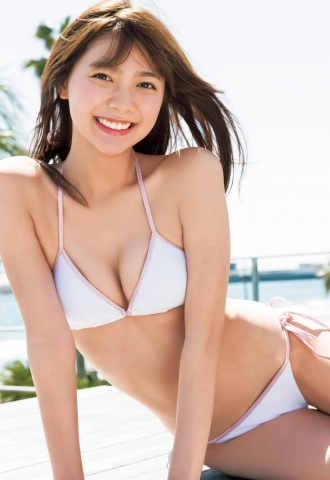 Asuka Kawazu The morning sunlight has completely turned to summer On days like this I change into my swimsuit and go straight to the pool013