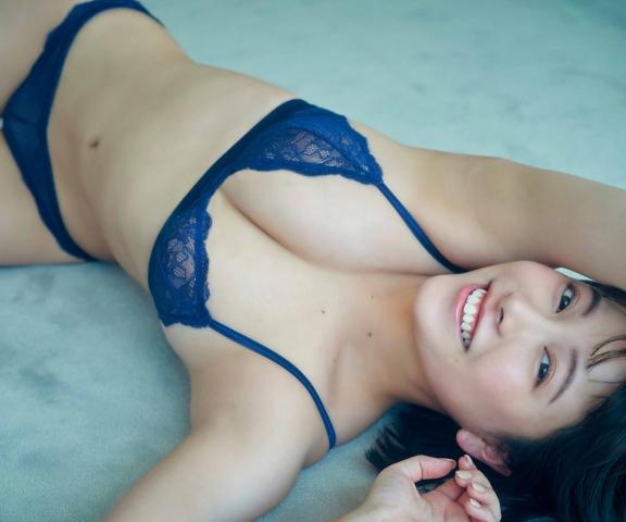 Sei Suzuki Gcup breasts and buttocks a rising star of the gravure world010