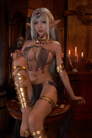 Black Beast The noble saint is dyed white Cosplay Swimsuit Gravure001