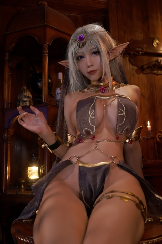 Black Beast The noble saint is dyed white Cosplay Swimsuit Gravure002