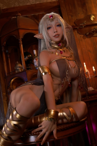Black Beast The noble saint is dyed white Cosplay Swimsuit Gravure007