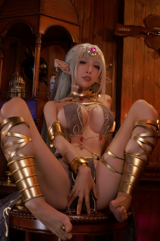 Black Beast The noble saint is dyed white Cosplay Swimsuit Gravure017