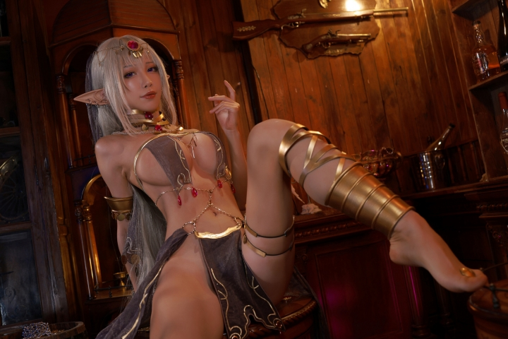Black Beast The noble saint is dyed white Cosplay Swimsuit Gravure014