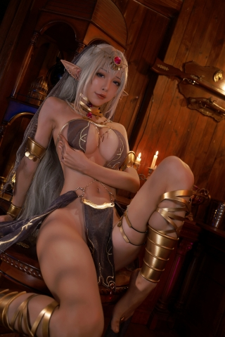 Black Beast The noble saint is dyed white Cosplay Swimsuit Gravure015