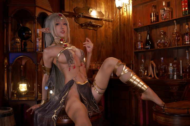 Black Beast The noble saint is dyed white Cosplay Swimsuit Gravure013