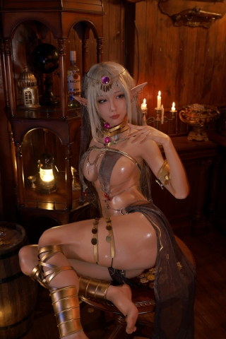 Black Beast The noble saint is dyed white Cosplay Swimsuit Gravure022