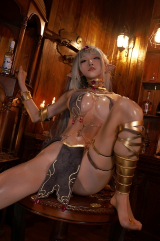 Black Beast The noble saint is dyed white Cosplay Swimsuit Gravure023