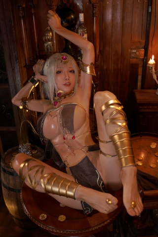 Black Beast The noble saint is dyed white Cosplay Swimsuit Gravure029
