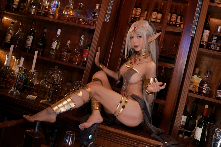 Black Beast The noble saint is dyed white Cosplay Swimsuit Gravure036