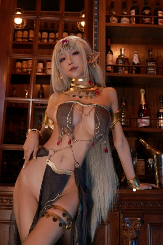 Black Beast The noble saint is dyed white Cosplay Swimsuit Gravure033