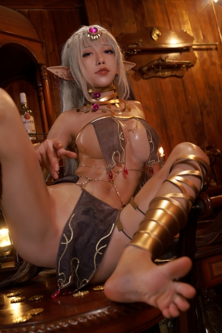 Black Beast The noble saint is dyed white Cosplay Swimsuit Gravure032