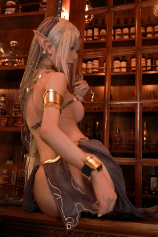Black Beast The noble saint is dyed white Cosplay Swimsuit Gravure038
