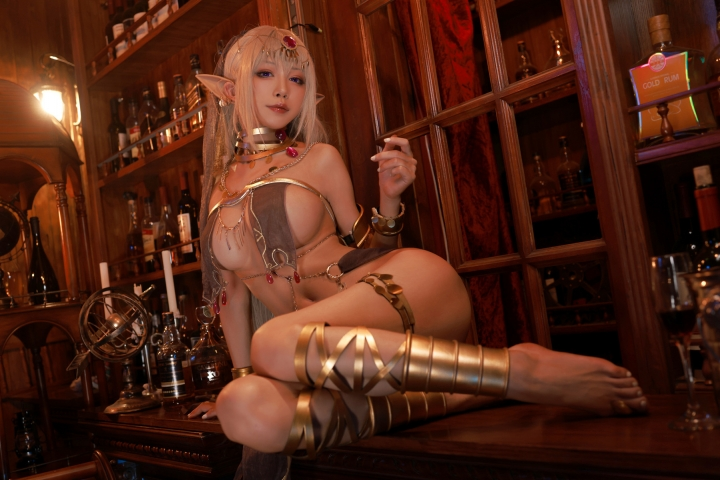 Black Beast The noble saint is dyed white Cosplay Swimsuit Gravure041