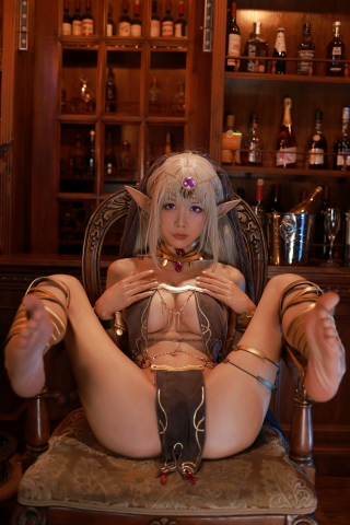 Black Beast The noble saint is dyed white Cosplay Swimsuit Gravure045
