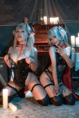 Cosplay Swimsuit Gravure Vampire Twins008
