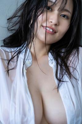 Ichihana Miri 1000 millimeters of unbelievable breasts030