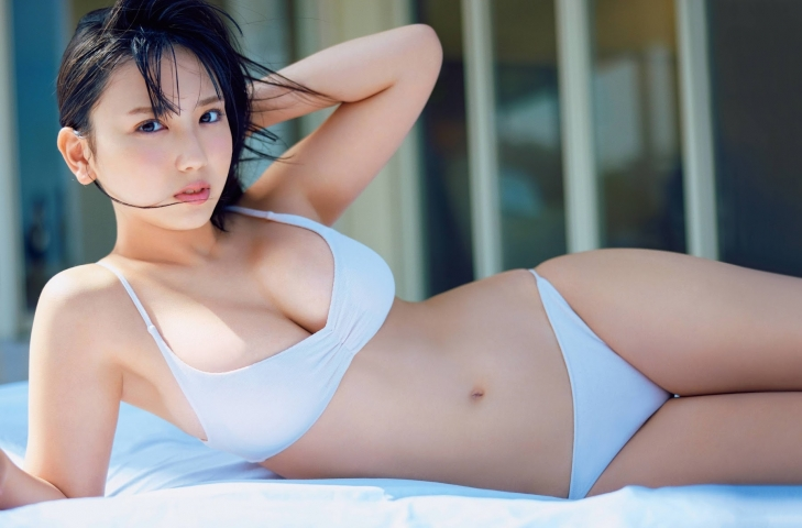 Aika Sawaguchi the gravure queen of Japan has become a little more mature and is now ready to take on the world008