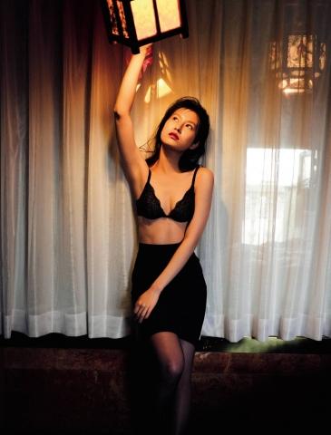 Yuri Tsunematsu a talented actress shows us a new world007