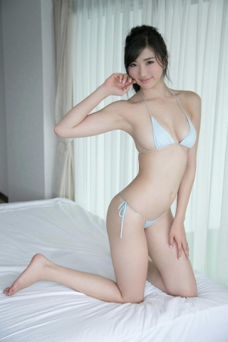 Eimi Matsushima tall and with an Fcup body is known as the Miracle God Body014