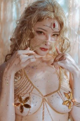 Blonde dancer cosplay swimsuit gravure001