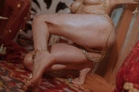 Blonde dancer cosplay swimsuit gravure011