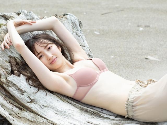 Haruka Dan noble summer bikini020