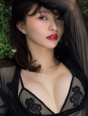 Moeka Hashimoto Japans Sexiest Presidents Daughter005