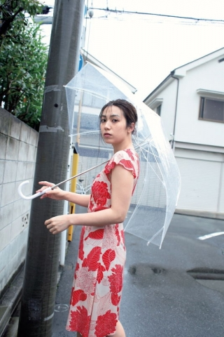 Airi Satos first photo book is now on sale013