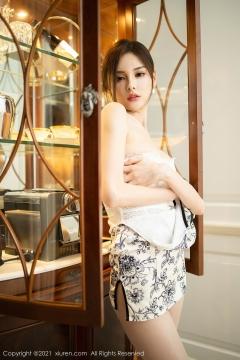 Beautiful Woman in China Dress White Lingerie Underwear Small Evening juju085