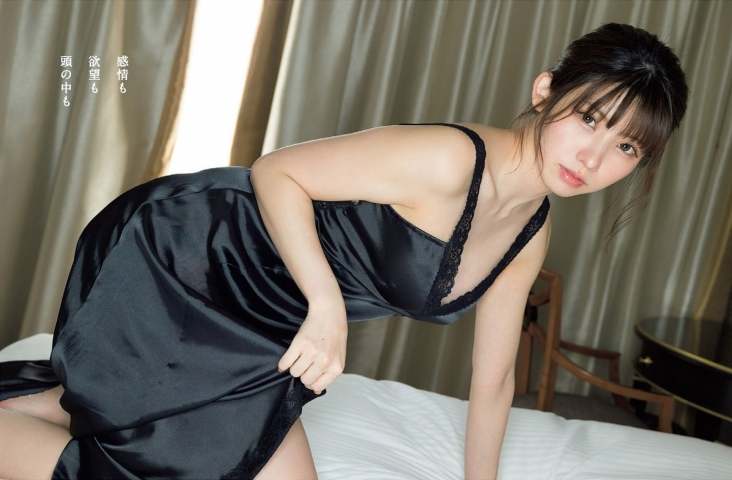 Enako at her most fabulous and sexy010