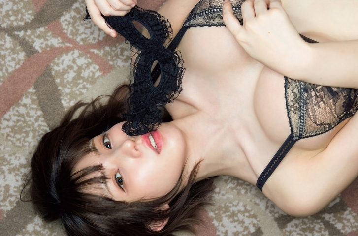 Enako at her most fabulous and sexy011