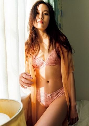Yuri Tsunematsu swimsuit gravure Young hotshot actress009