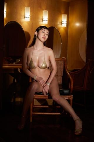 Spilling boobs Misumi Shioji008
