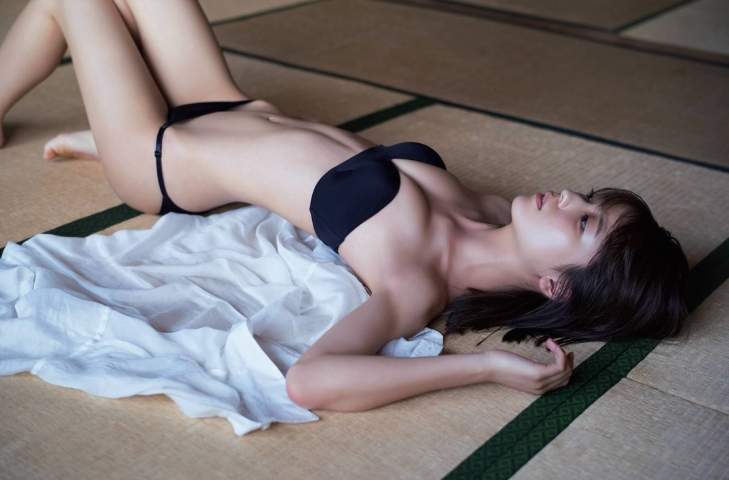 Misao Kudo at a guest house by the sea008