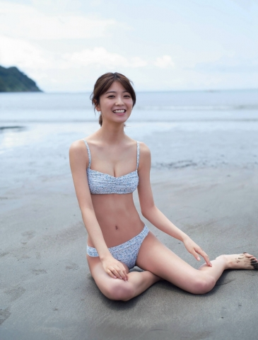 Misao Kudo at a guest house by the sea004