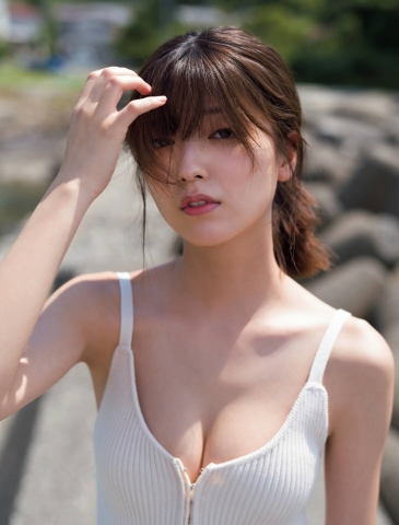 Misao Kudo at a guest house by the sea005