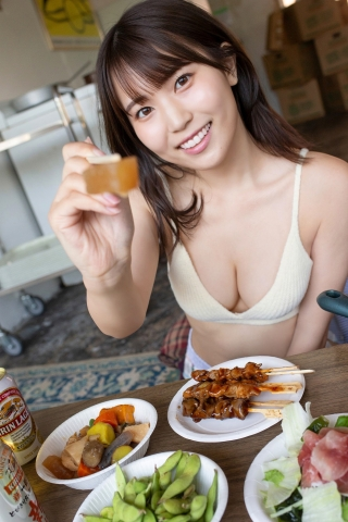 Haruka Bando drinks at home in a swimsuit006
