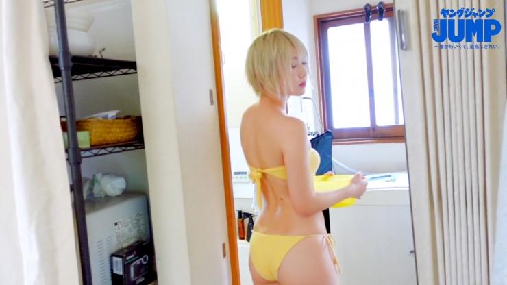 Kokoro Shinozaki is very active in both the world of swimsuit gravure and cosplay094