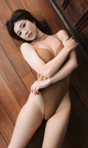 Yuki Fujiki Swimming After the Rain010