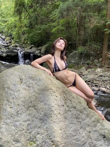 Yuki Fujiki Swimming After the Rain013
