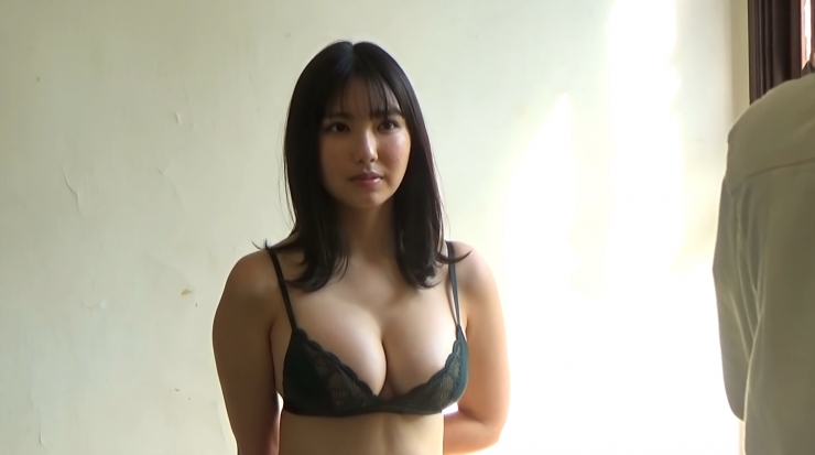 Aika Sawaguchi here she comes the gravure queen of Wa048