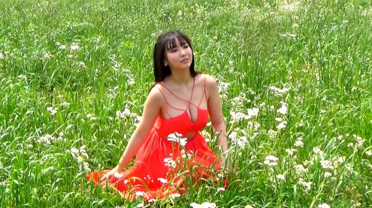 Aika Sawaguchi here she comes the gravure queen of Wa058
