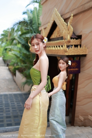 A beautiful swimsuit girl enjoying her vacation in Thailand005