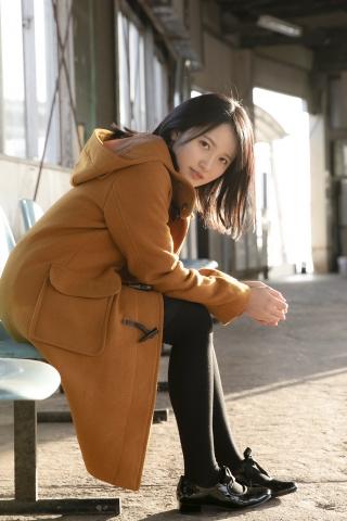 Chisaki Morito White Swimsuit Bikini Girl Waiting for Boat Morning Musume006