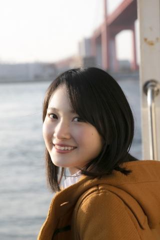 Chisaki Morito White Swimsuit Bikini Girl Waiting for Boat Morning Musume009